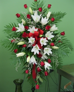 White lily & red rose sympathy